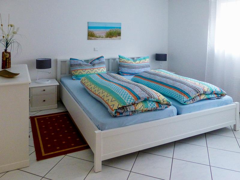 Schlafzimmer der Ferienwohnung REBLAND in Müllheim-Vögisheim